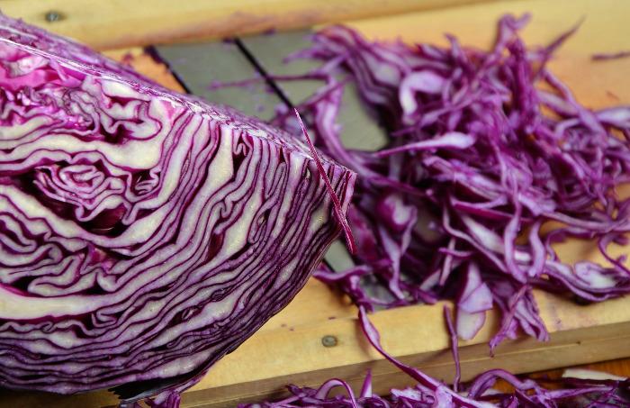 jak gotować warzywa zabarwione betalainami